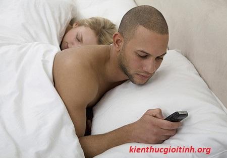 Tình cảm vợ chồng nhạt dần vì lơ là sex, tinh cam vo chong nhat dan vi lo la sex