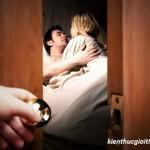 Nghi ngờ chồng ngoại tình, vợ đi tạt axit, nghi ngo chong ngoai tinh vo di tat axit