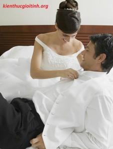 Món quà cay đắng đêm tân hôn