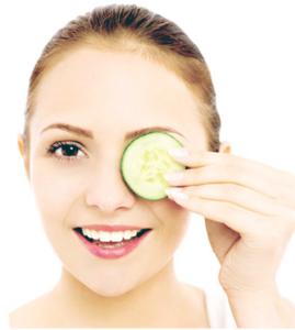 8 cách xóa tan vết quầng thâm quanh mắt hiệu quả