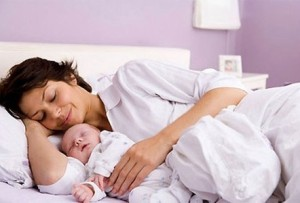 Lưu ý khi chăm sóc mẹ và bé sau sinh, luu y khi cham soc me va be sau sinh