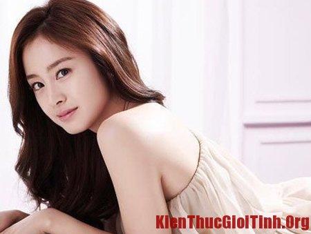 Đắp mặt nạ là cách làm đẹp da của sao Hàn, dap mat na la cach lam dep da cua sao Han