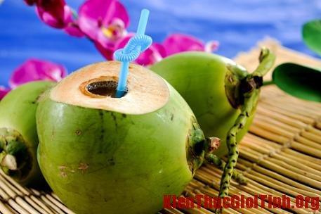 Hướng dẫn mẹ bầu uống nước dừa đúng cach, huong dan me bau uong nuoc dua dung cach