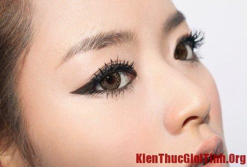 Cách trang điểm mắt kiểu Hàn Quốc
