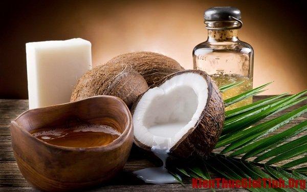 Hướng dẫn trị nứt nẻ môi bằng dầu dừa