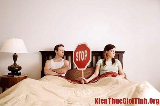 """Những tác hại và hậu quả thường gặp khi quan hệ tình dục trong ngày """"đèn đỏ"""""""