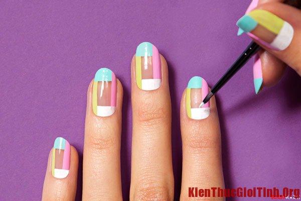Thực hiện các bước vẽ nail đơn giản