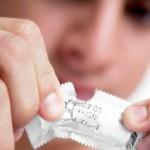 Những lỗi sai phổ biến rất nhiều nam giới mắc phải khi sử dụng bao cao su