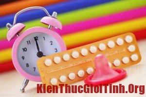 Khi nào thì cần dừng việc uống thuốc tránh thai hàng ngày?
