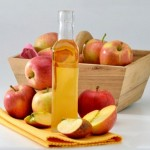 """Cách khử mùi hôi từ """"cô bé"""" bằng dấm táo an toàn và hiệu quả"""