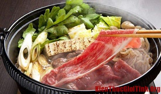 Ăn gì khi du lịch Nhật Bản? Sukiyaki, món ăn ngon, hấp dẫn ở Nhật Bản