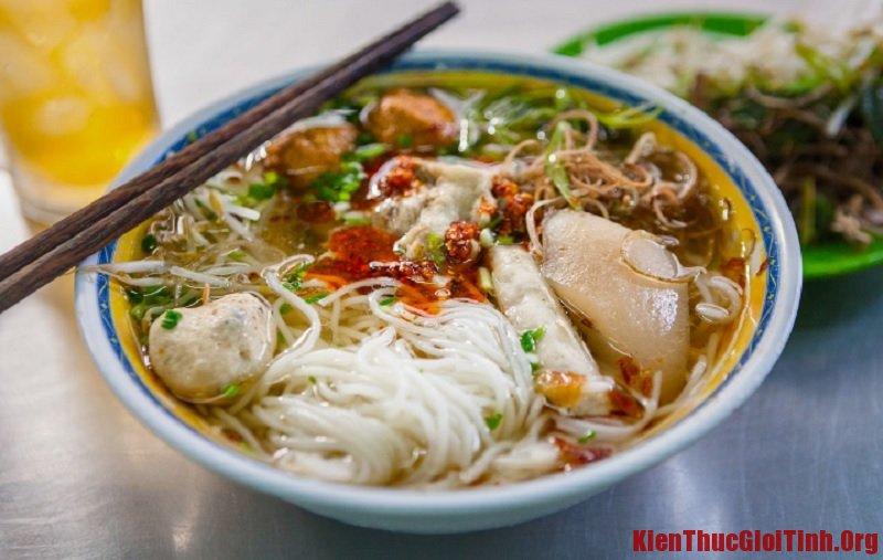 Những món ăn vặt ngon ở Sài Gòn. Bún Mọc Thanh Mai